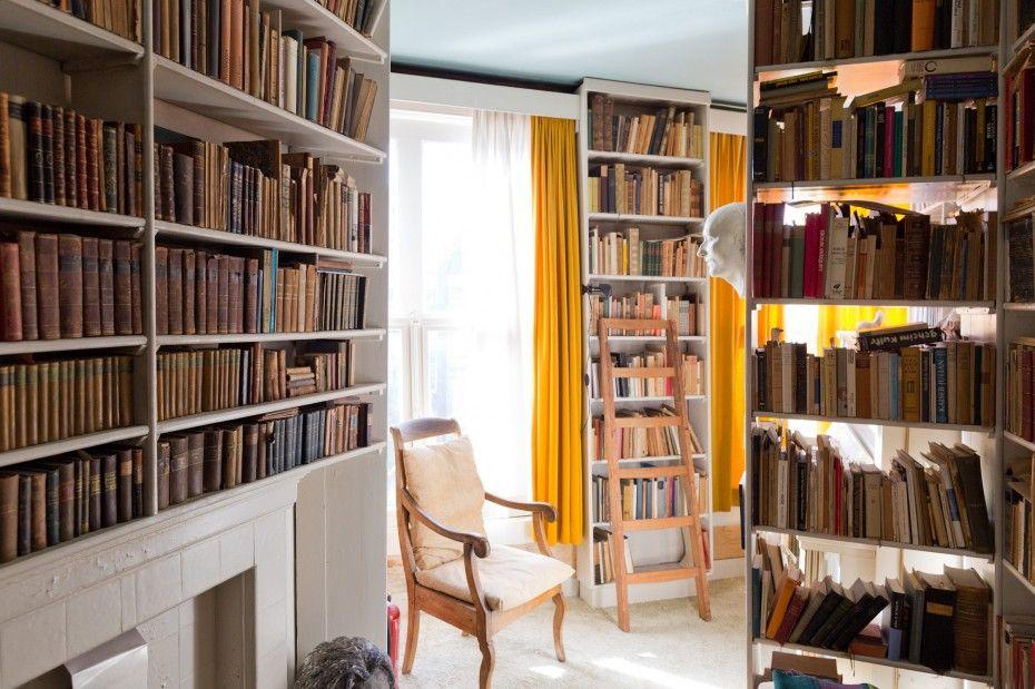 Gisèle d'Ailly van Waterschoot van der Gracht — Publisher & Artist, Apartment, Amsterdam (© Jordi Huismann für Freunde von Freunden)