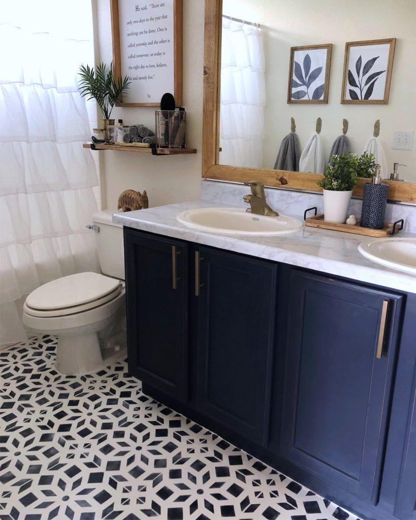 Bathroom Makeover Phase 2 Chalk Painted Linoleum Floors Diy