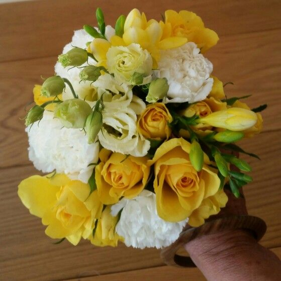 Yellow & white posy♡