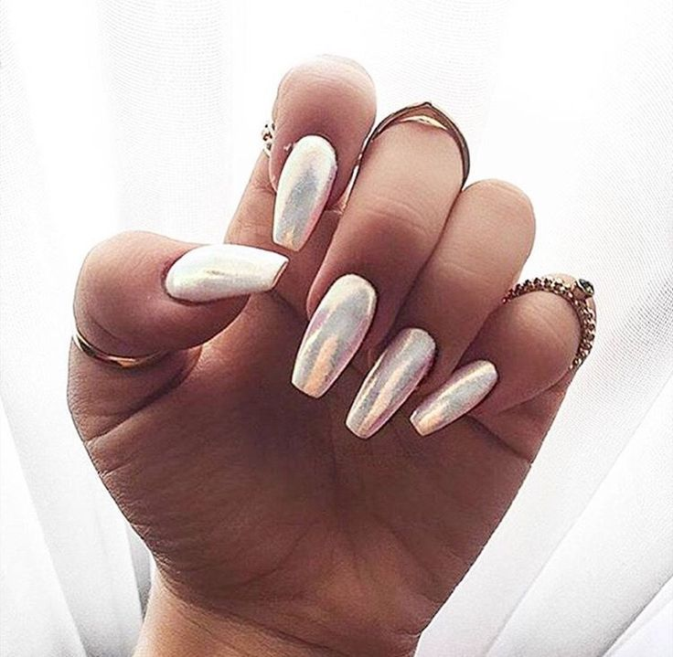 25 High Fashion Summer Outfits For 2019 Nails Almond Acrylic Nails Almond Nails Holographic Nails