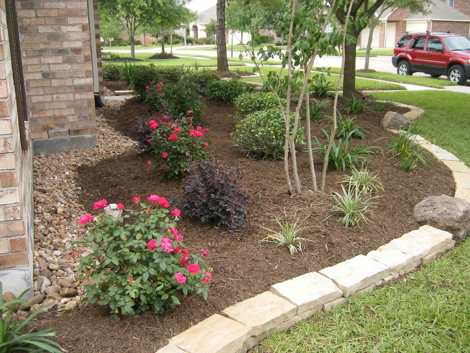 Houston Landscaping Gallery Richards Total Backyard Solutions Backyard Landscaping Designs Tropical Landscape Design Landscaping With Rocks