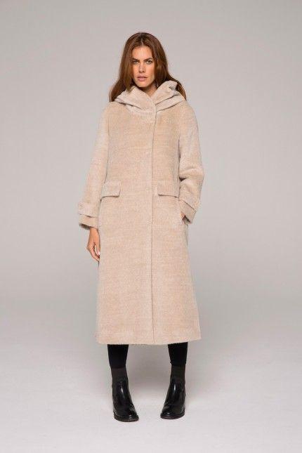 8d0d60d2130f Long manteau beige avec grande capuche en alpaga poilu  manteau  long   beige  capuche  alpaga  poilu  qualité  lenerfabriquedemanteaux