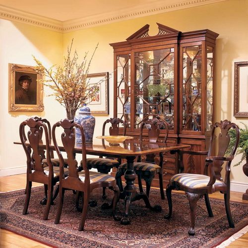 Wooden Dining Room In Colonial Style Interior Design American