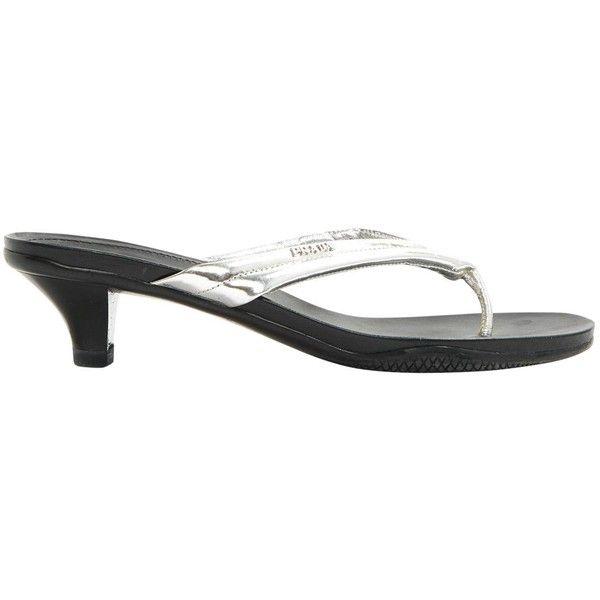 Pre-owned - Leather flip flops Prada Xy5gAiu