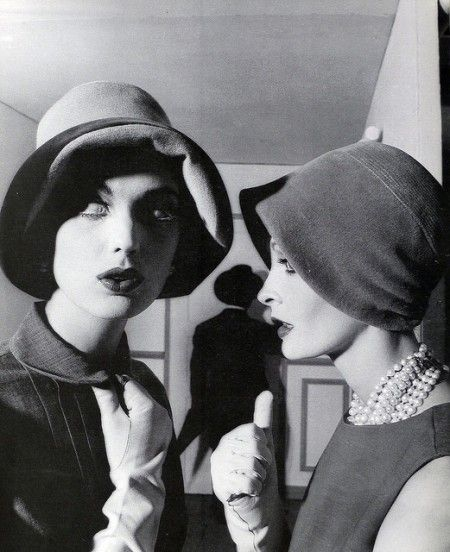 Dorothea McGowan & Sara Thom, Vogue, Photographer William Klein, Sept. 1960