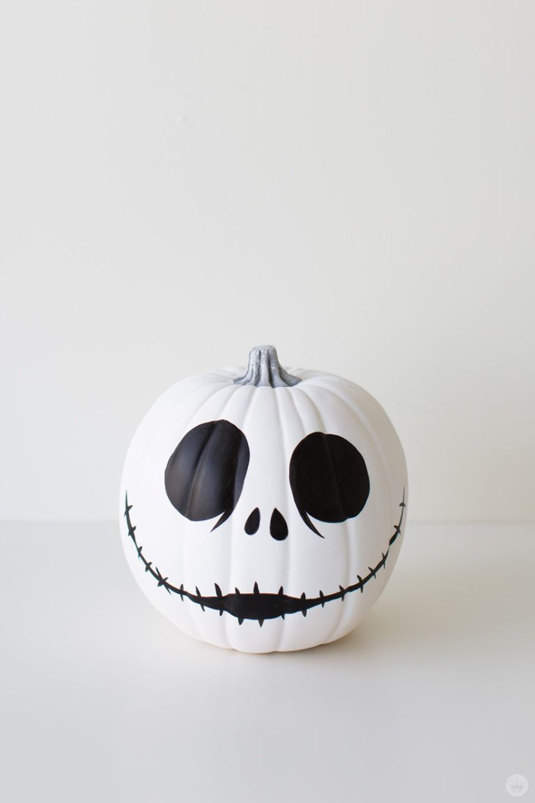 Halloween decor with character: Movie-inspired pumpkin designs ...