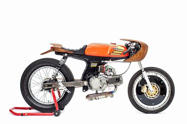 """""""La Chute"""" Honda ss50"""