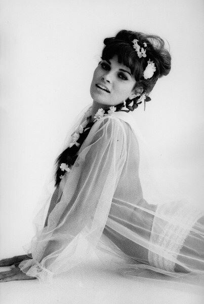 Raquel welch classy vintage women pinterest raquel welch for Raquel welch wedding dress