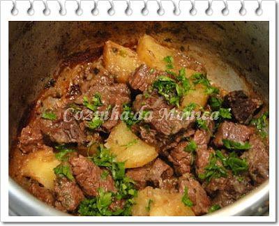 Cozinha Da Monica Carne De Panela Com Batatas E Vinho Na Panela