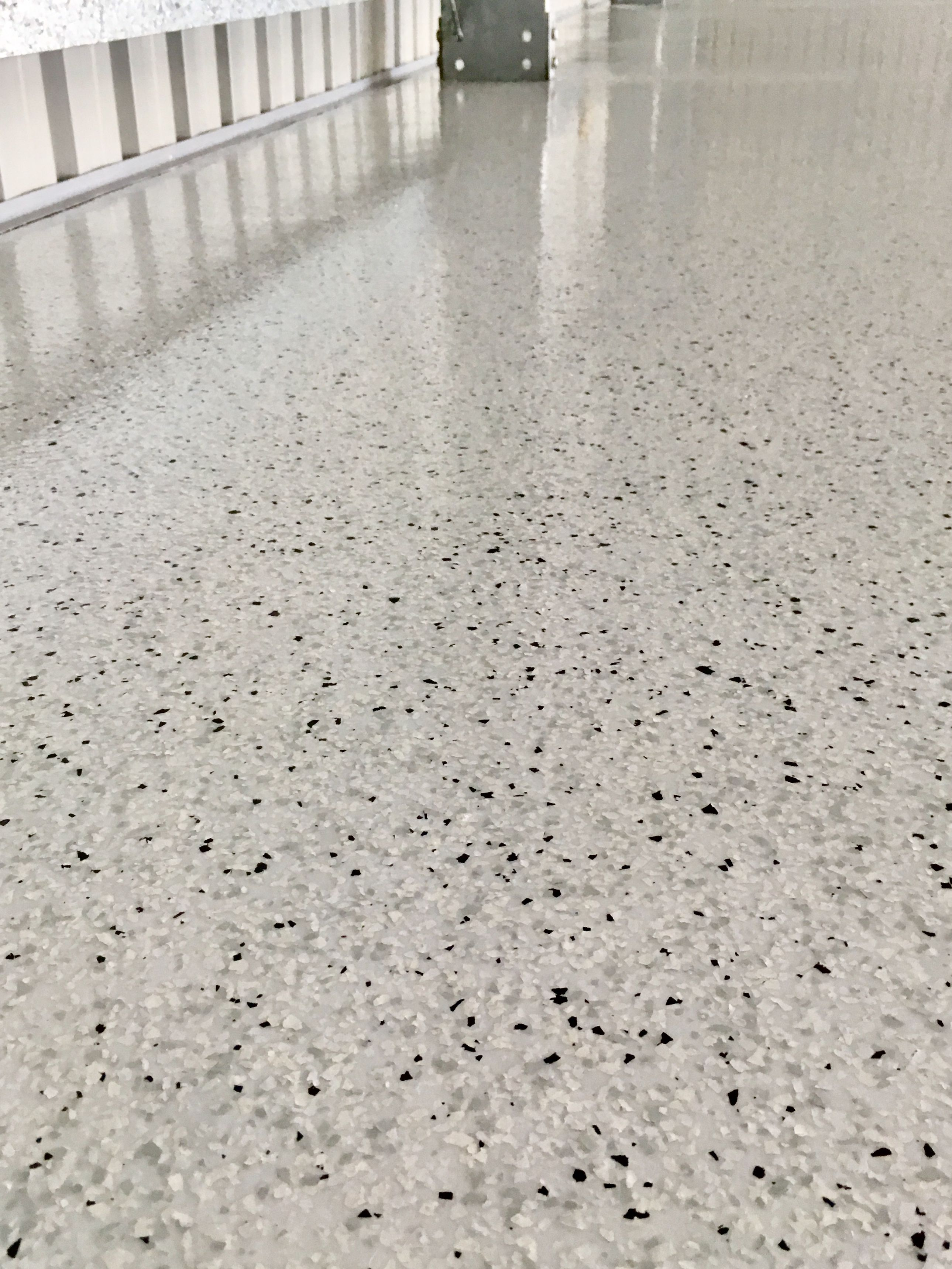 Garage Floor Epoxy York Pa This Is Cloud Flake Over A Neutral Grey Coloured Base Coat Isn