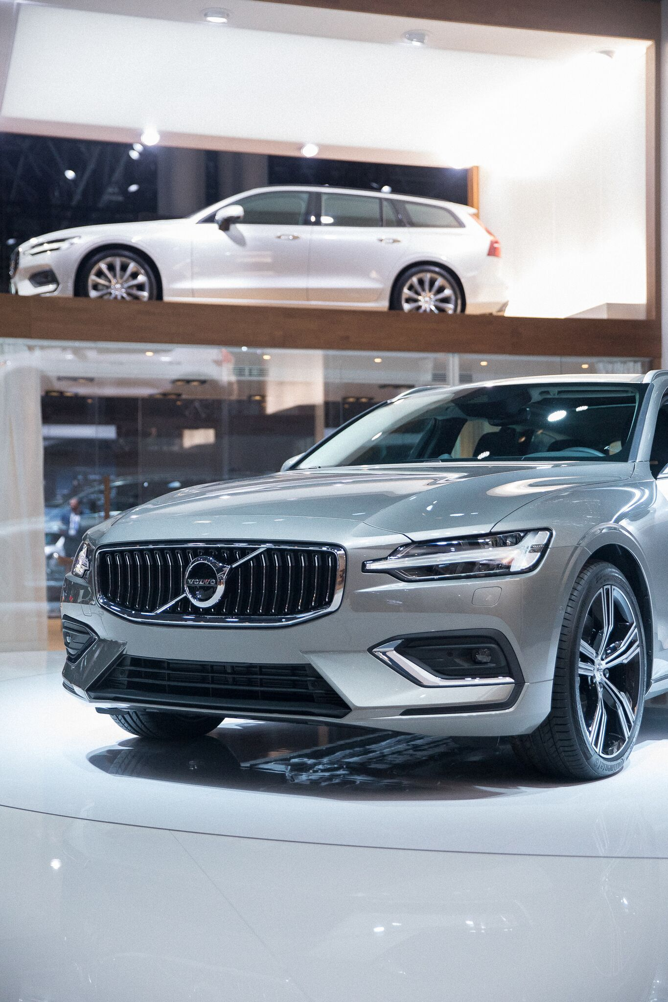 The Volvo V60 Is A Versatile Vehicle That Helps You Make The Most Of Every Moment An Advanced Chassis Powerful Engines And A Ch Volvo Cars Volvo Volvo V60