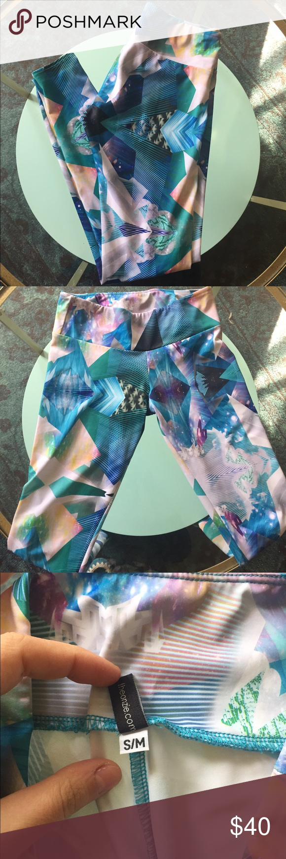 Onzie leggings EUC onzie leggings . Only worn a couple of times. No holes or tears. Size S/M. Onzie Pants Leggings