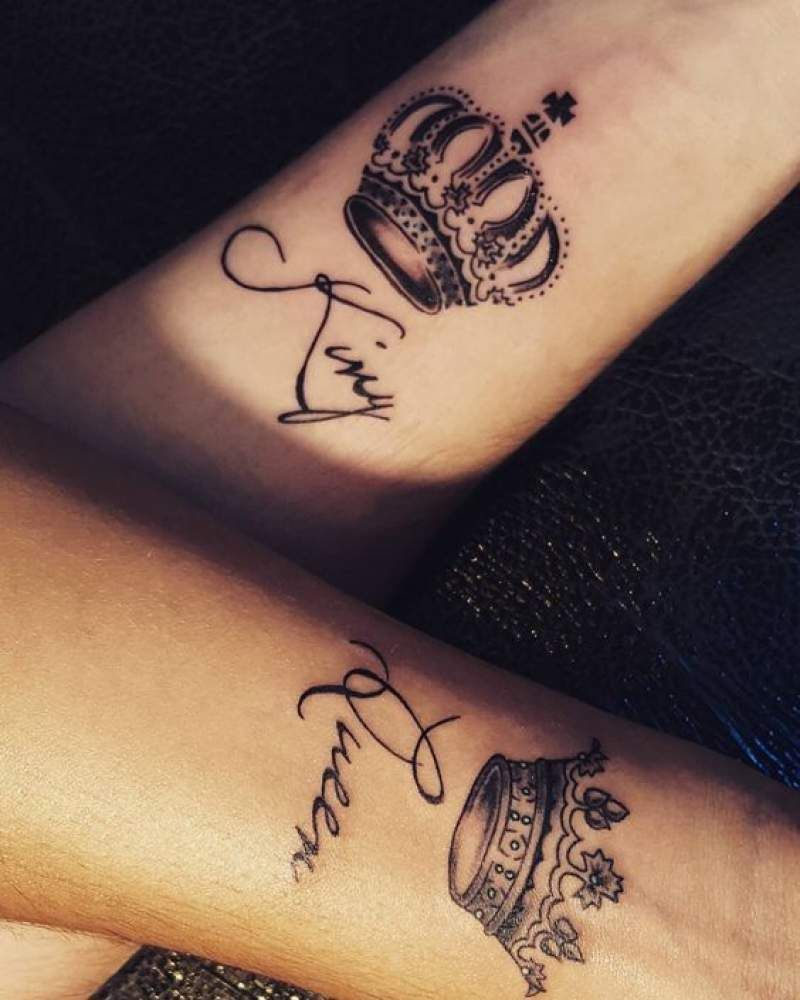 Couples Matching Tattoos for Valentines Day -  Crown Tattoos #crowntattoo #tattoos  #tattooart #couplegoals #coupletattooideas #coupletattoos