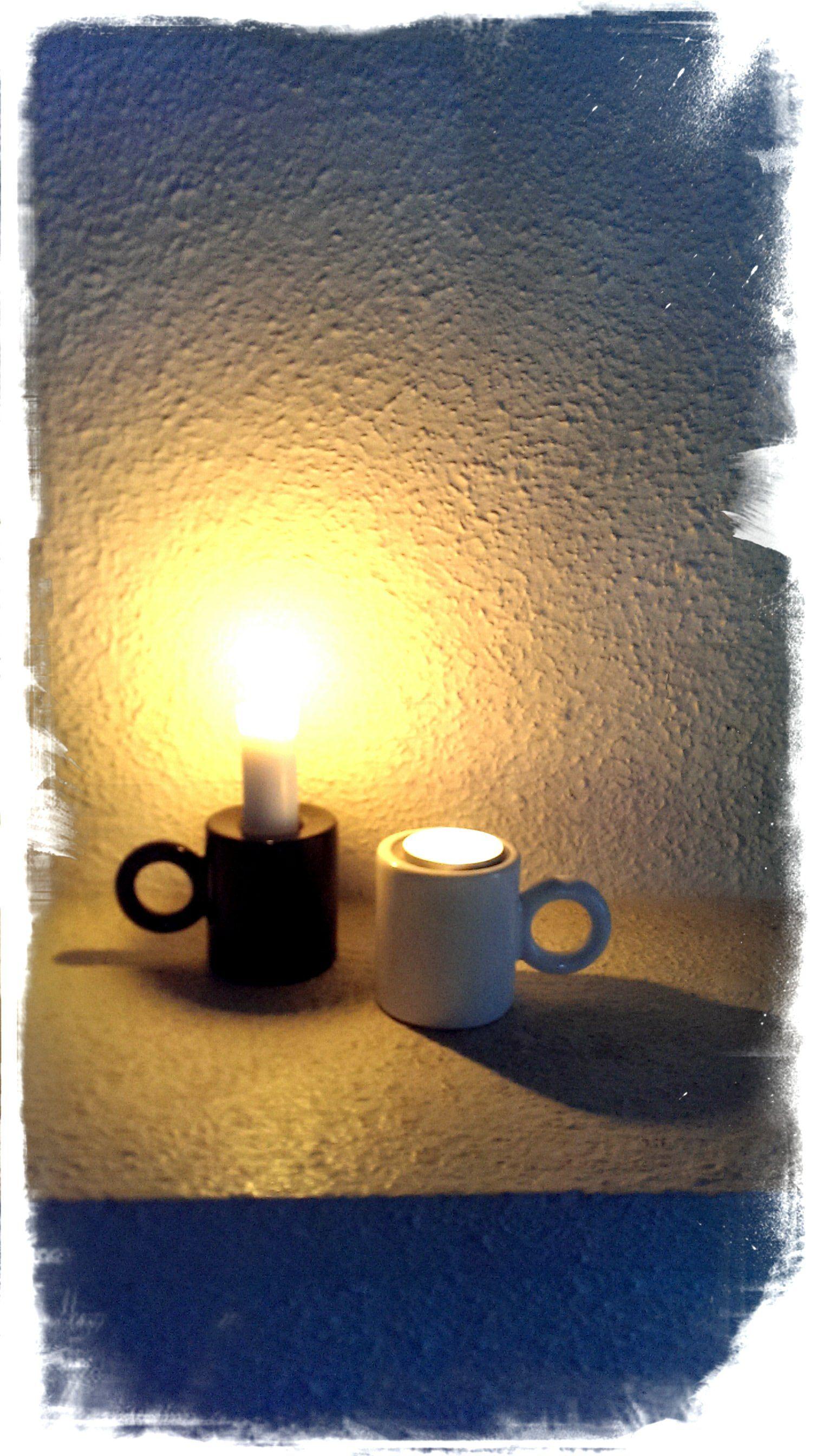 Eero Aarnion suunnittelema Kotivalo! Toisella puolella kolo kynttilälle ja toisella tuikulle!