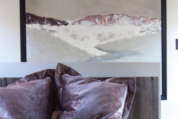 Janey burtler interiors incorporating bespoke artwork into our design schemes
