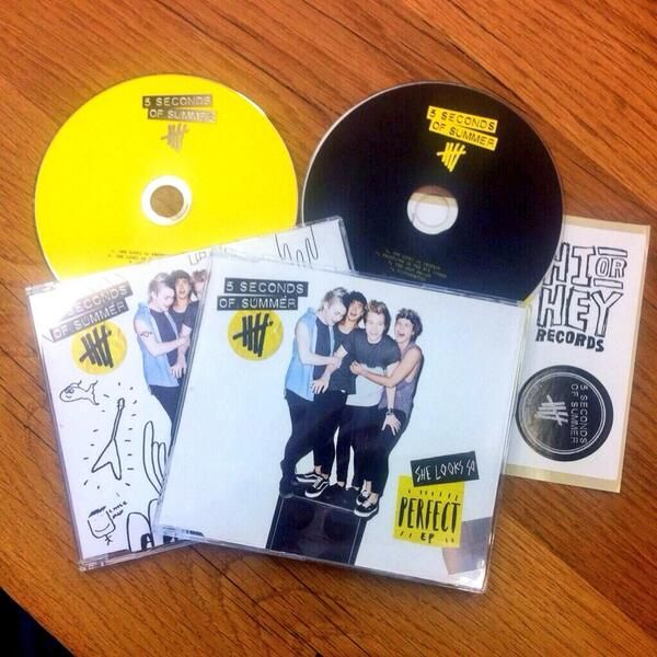 The She Looks So Perfect Ep You Can Get It In America Now This Is Near The Top Of My Birthday List 5 Seconds Of Summer 5sos She Looks So Perfect