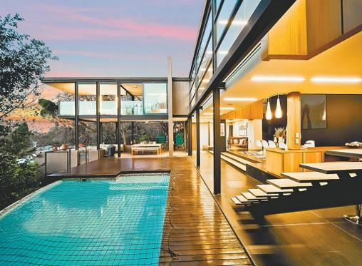 This contemporary #Johannesburg home will take your breath away. The large interior spaces and indigenous gardens blend seamlessly with the exterior landscape.