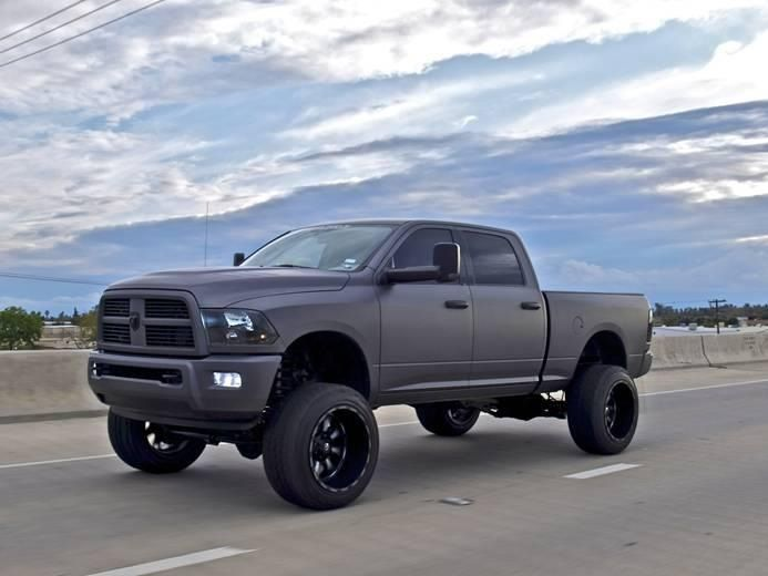 Just So Obsessed With This Ram 2500 Cummins Diesel 6 Lift Big Tires Tinted Black Windows Color Match Grill Cover Jacked Up Trucks Lifted Trucks Trucks