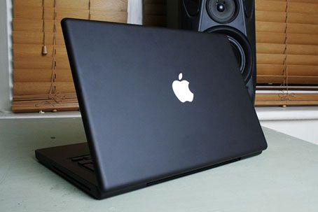 This Macbook Is My Laptop Of Choice Five Years Old And Still Going Strong Love This Black Beauty Macbook Black Apple Black