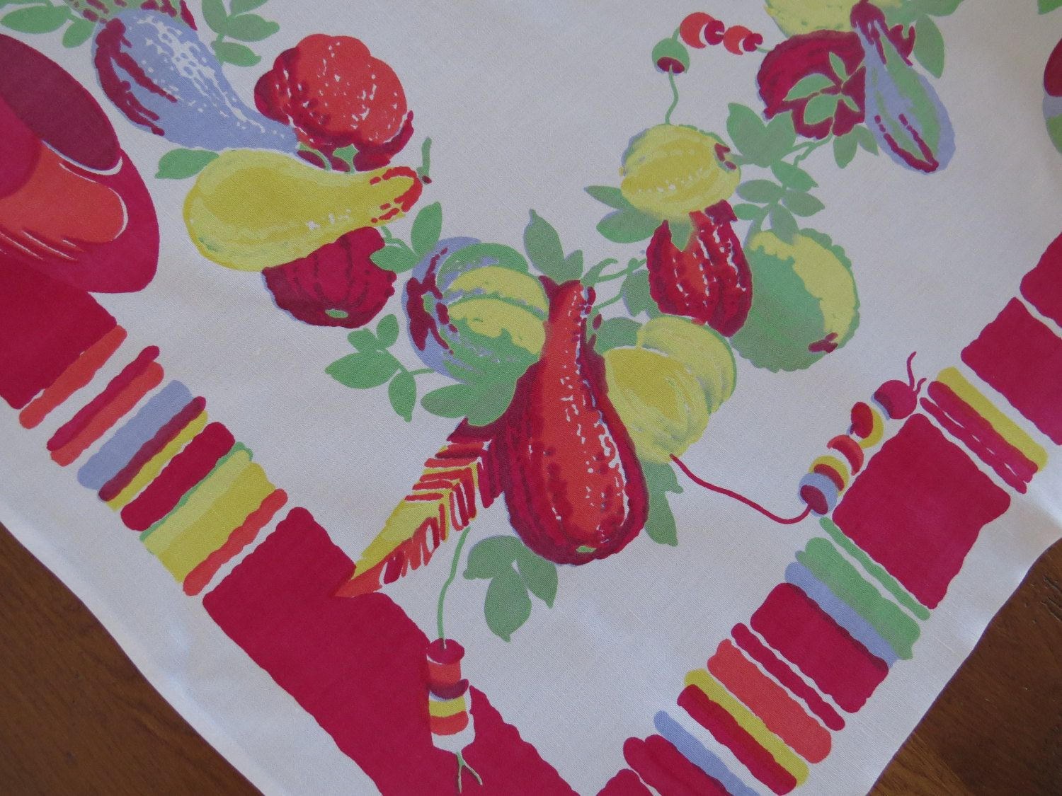 Arts and crafts table linens - Wilendur Tablecloth Southwestern Spanish Mexican Theme Pottery Gourds Red Green Yellow Graphics