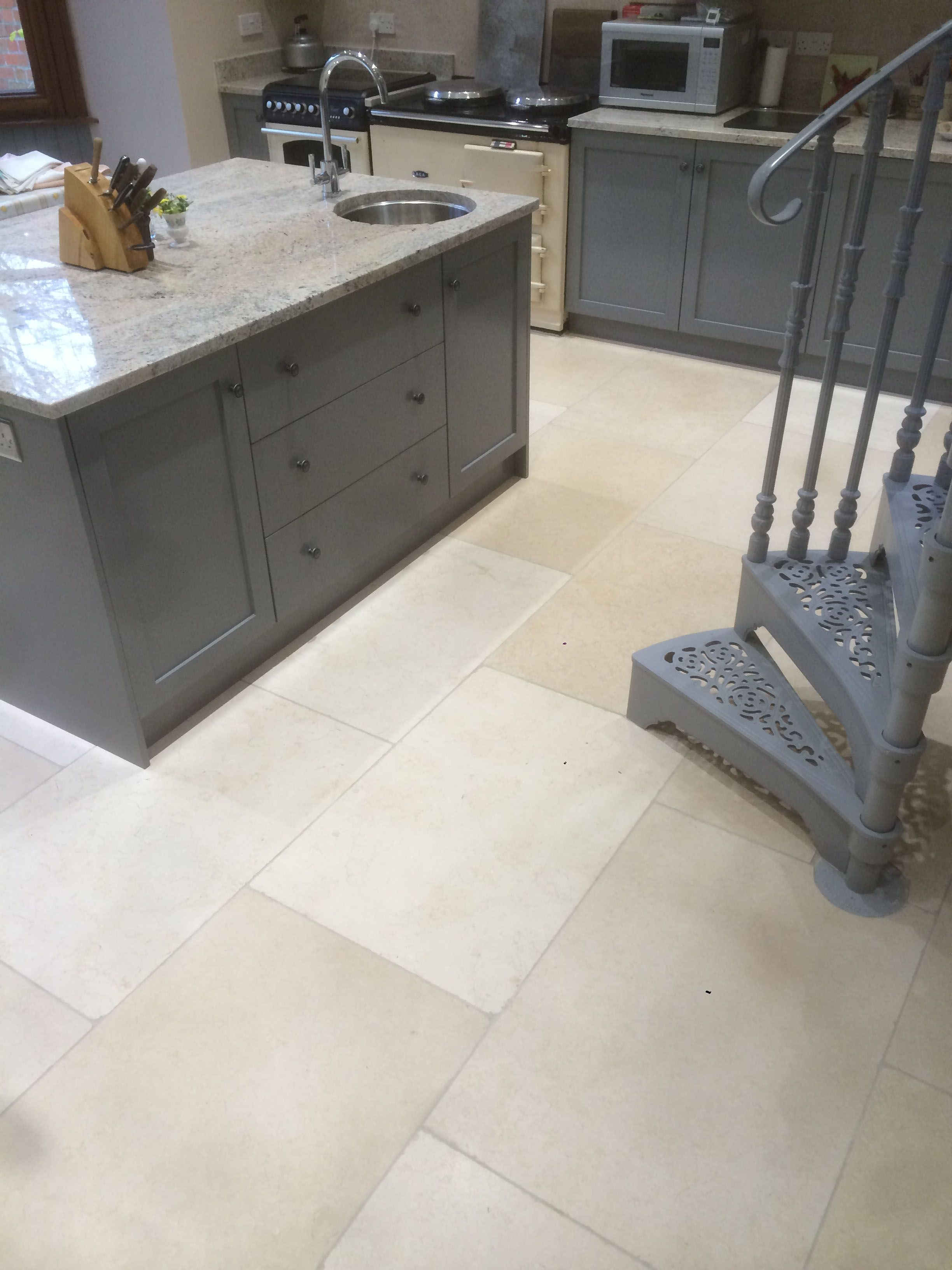 Old White Limestone Tile Post Rock And Wood White Limestone Tiles Limestone Tile Stone Flooring