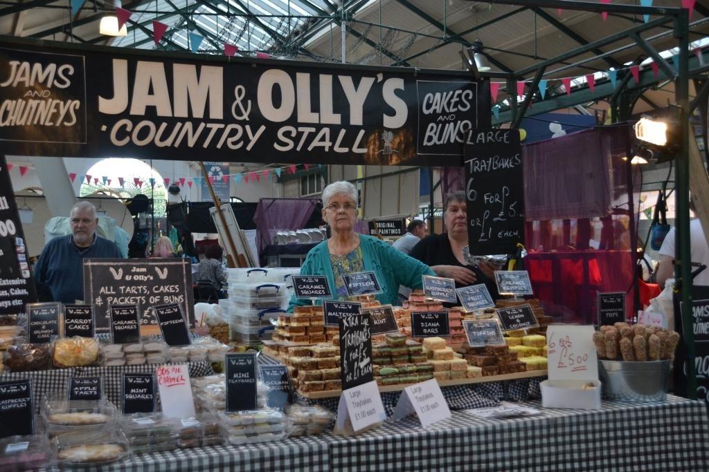Visiting UK's best indoor market  - historic St Georges with @belfastfoodtour #loveni @GoToIrelandCA