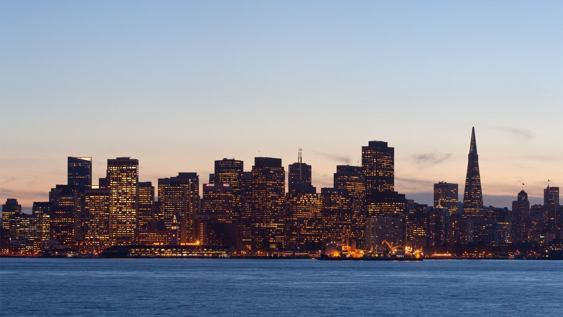 San Francisco Downtown at Sunset on Fotopedia