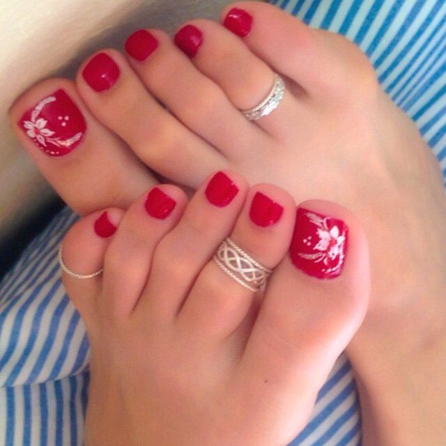 Nice! Love the nails and the toe rings...#toerings #nailart ...