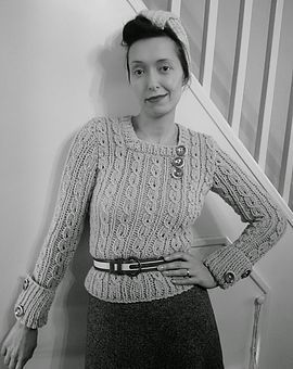 Free Pattern Friday - Jumper in Thick Wool and her little friend