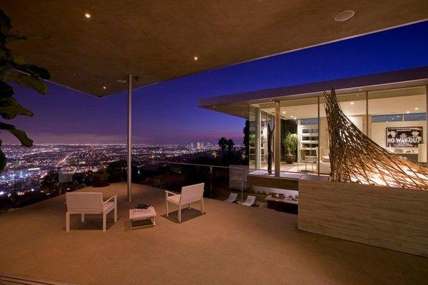 Impressive Contemporary Home In La