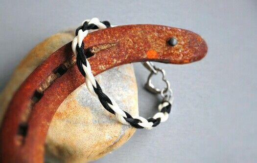 Zweifarbiges Armband mit Edelstahl Herz Verschluss