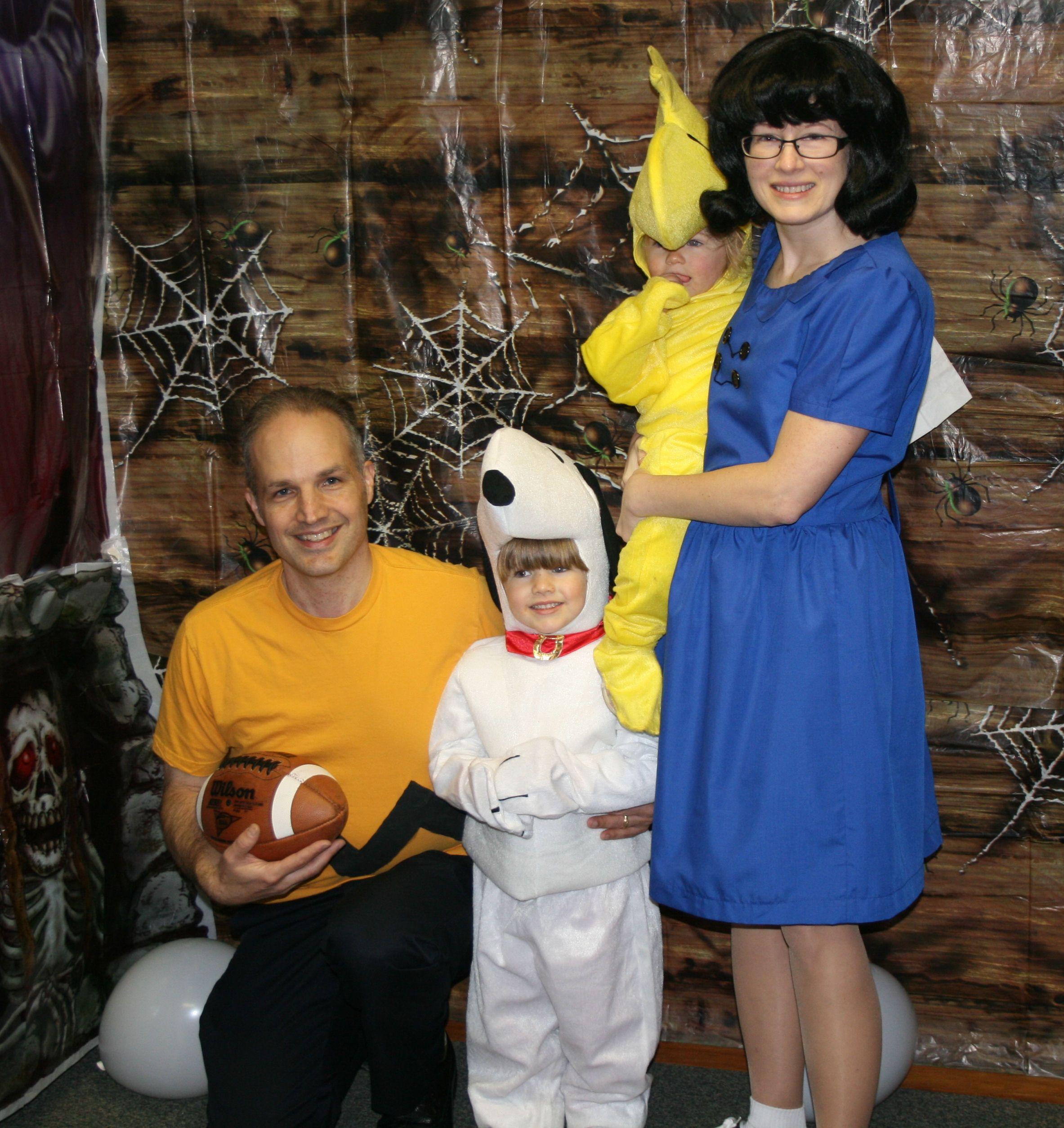 Peanuts Halloween Costume Woodstock, Schroeder, Linus, Sally ...