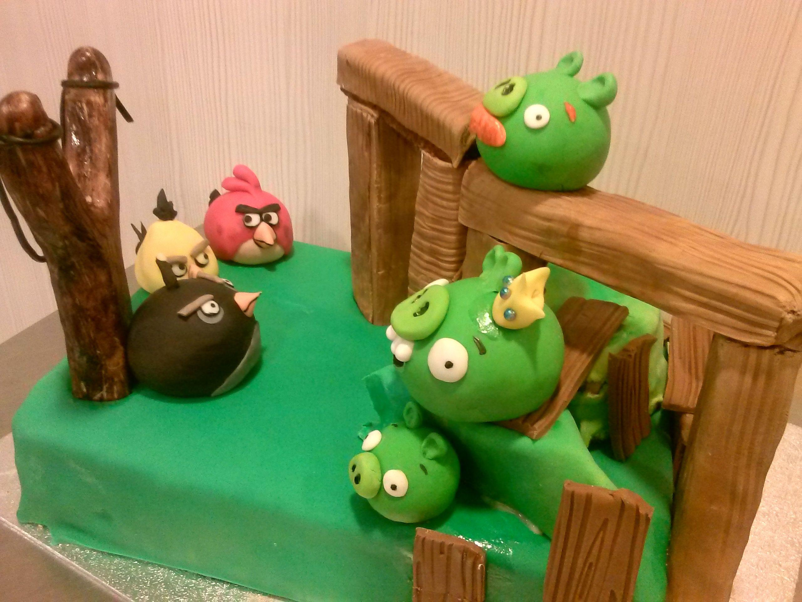 """Angry Birds Torte für ein """"großes Kind"""" Für große und kleine Kinder Pinterest"""