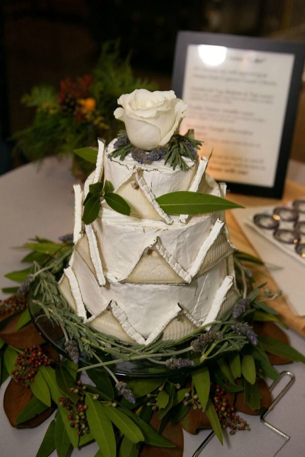 an actual Cheese-cake! Pam Anderson of ThreeManyCooks.com - it's her daughter's wedding from 12/17/11. Neat ideas!