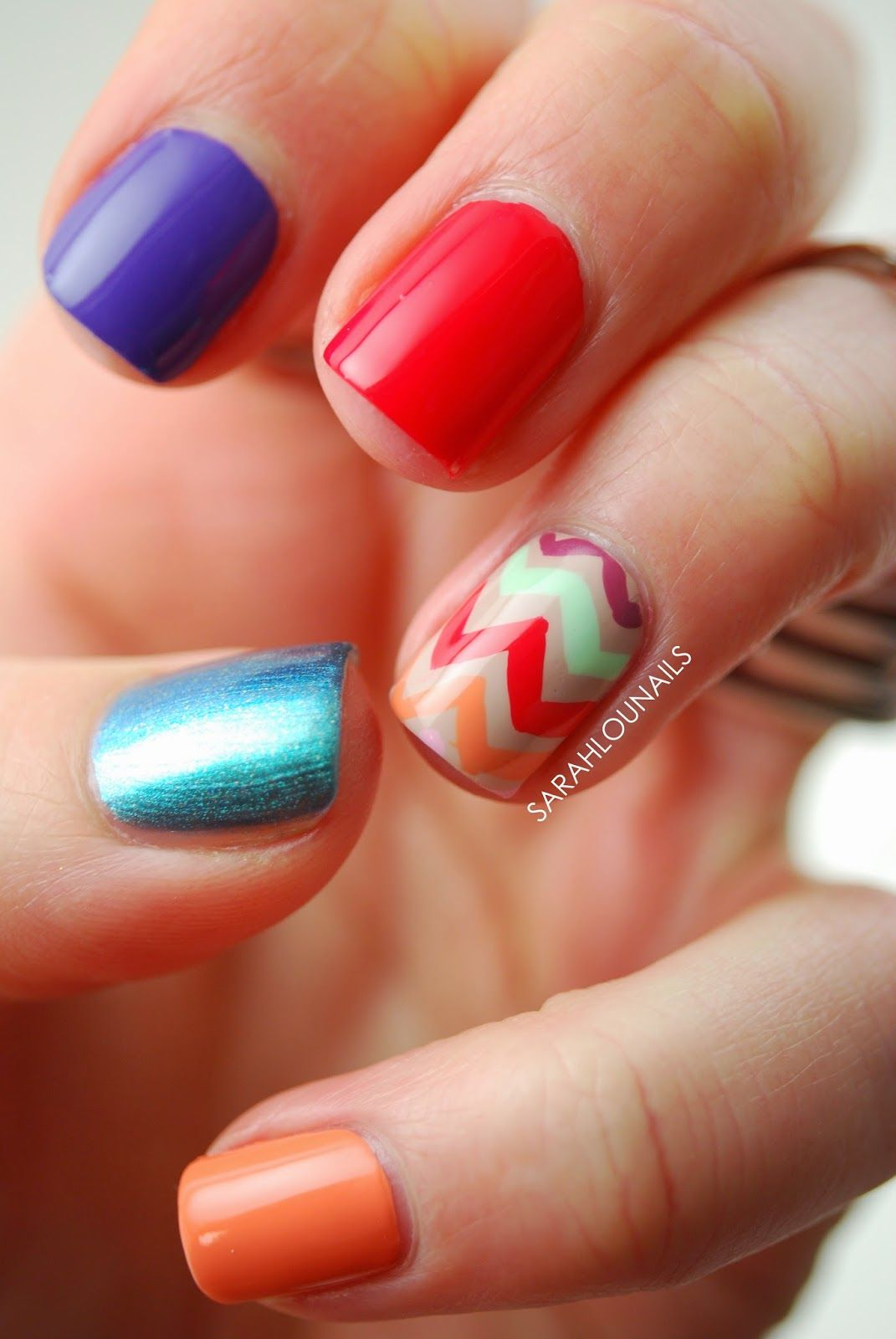Photo of Hawaii Chevron Accent Nail! (Sarah Lou Nails)