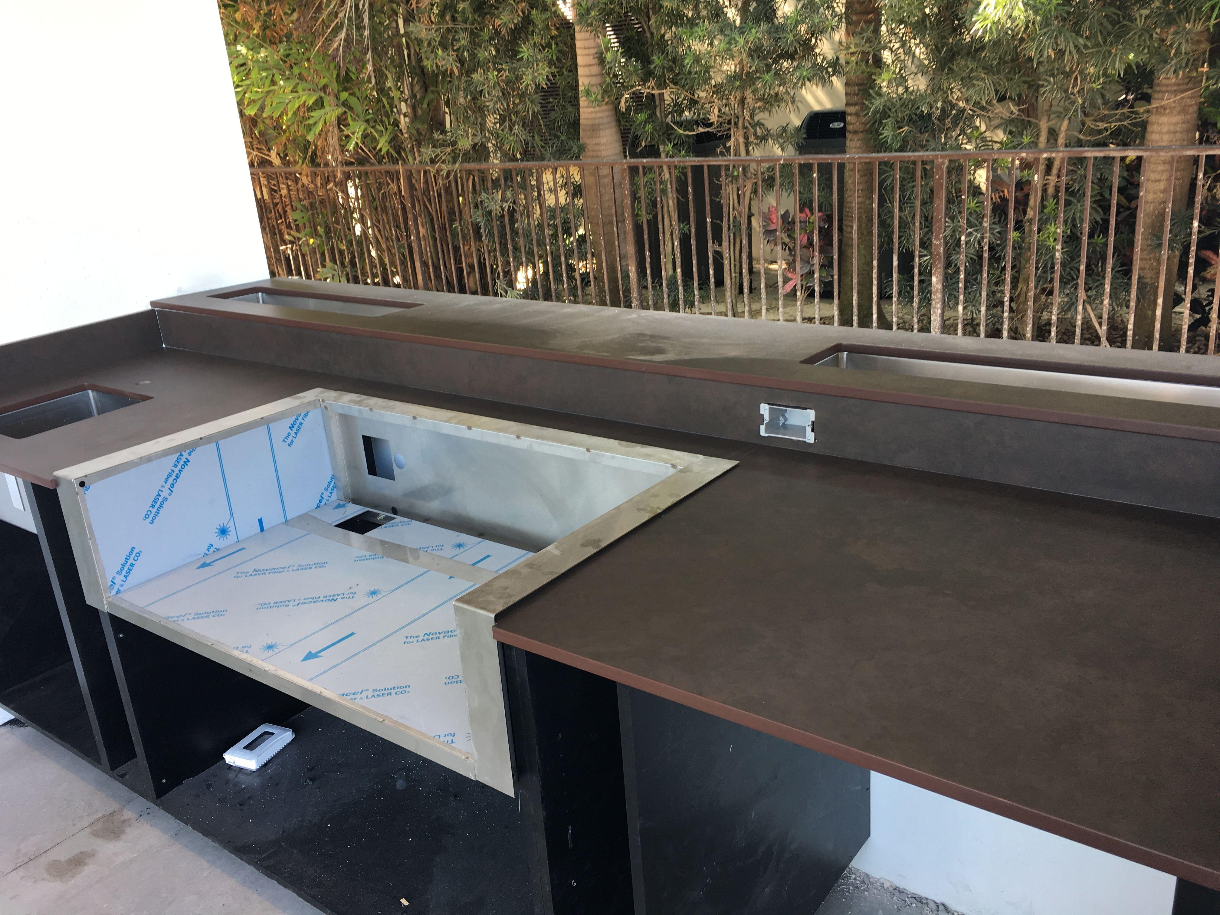 Dekton Keranium Dekton Countertops Outdoor Kitchen Dekton Withstands High Temperatures Without Burning Scorching Or C Quartz Countertops Dekton Countertops