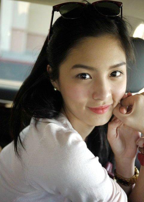Young filipina pics
