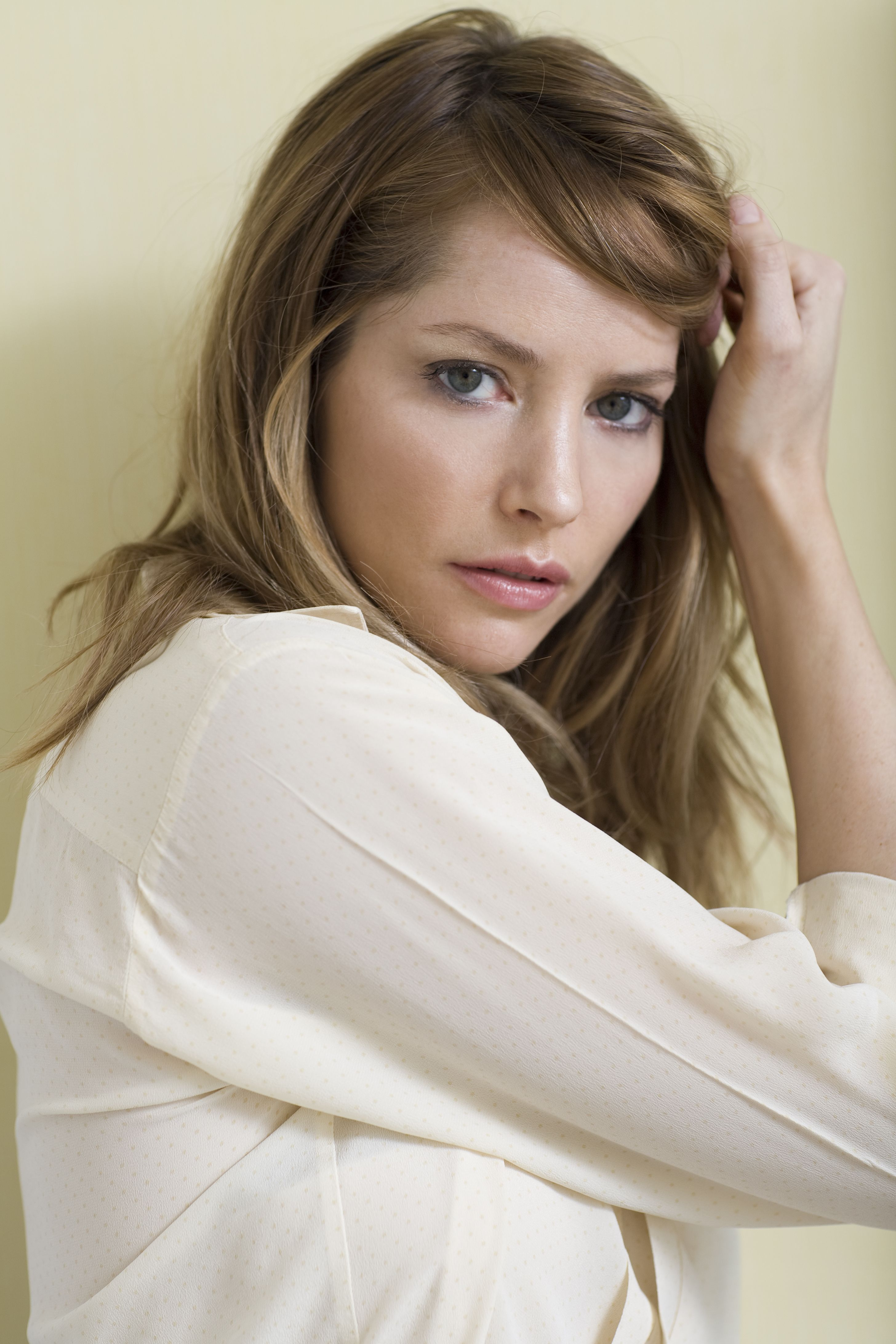 Female Celebrities With Light Brown Hair with sienna guillory - actress via imdb   theo's celebrity, movies