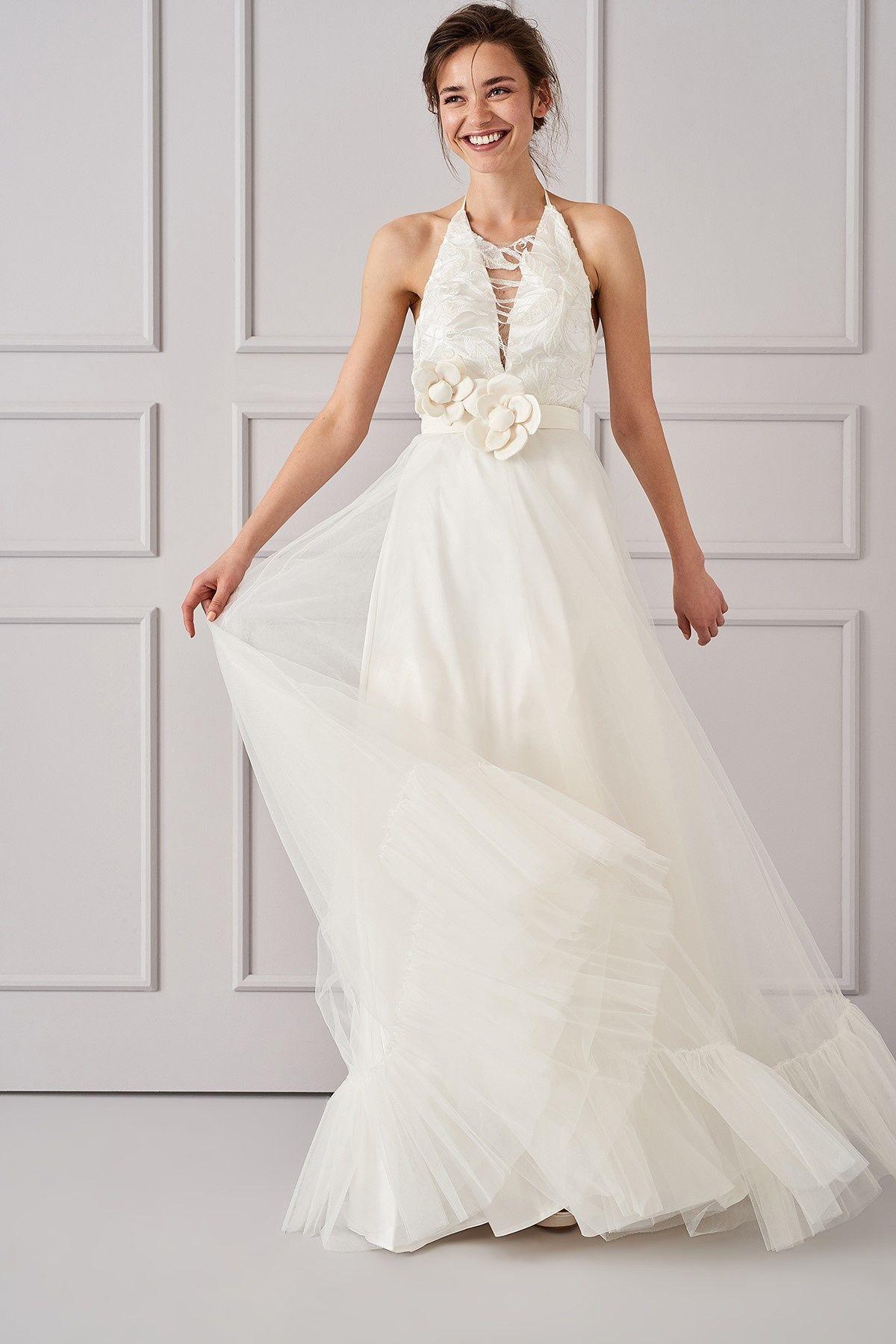 Trendyolmilla Beyaz Yaka Detayli Gelinlik Gelin Elbisesi Kir Dugunu Gelinlikleri Klasik Elbiseler
