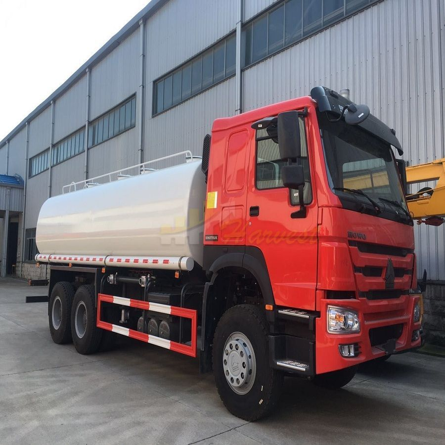 Howo 20000 Liters Water Tanker Truck It Can Be Divided Into 2