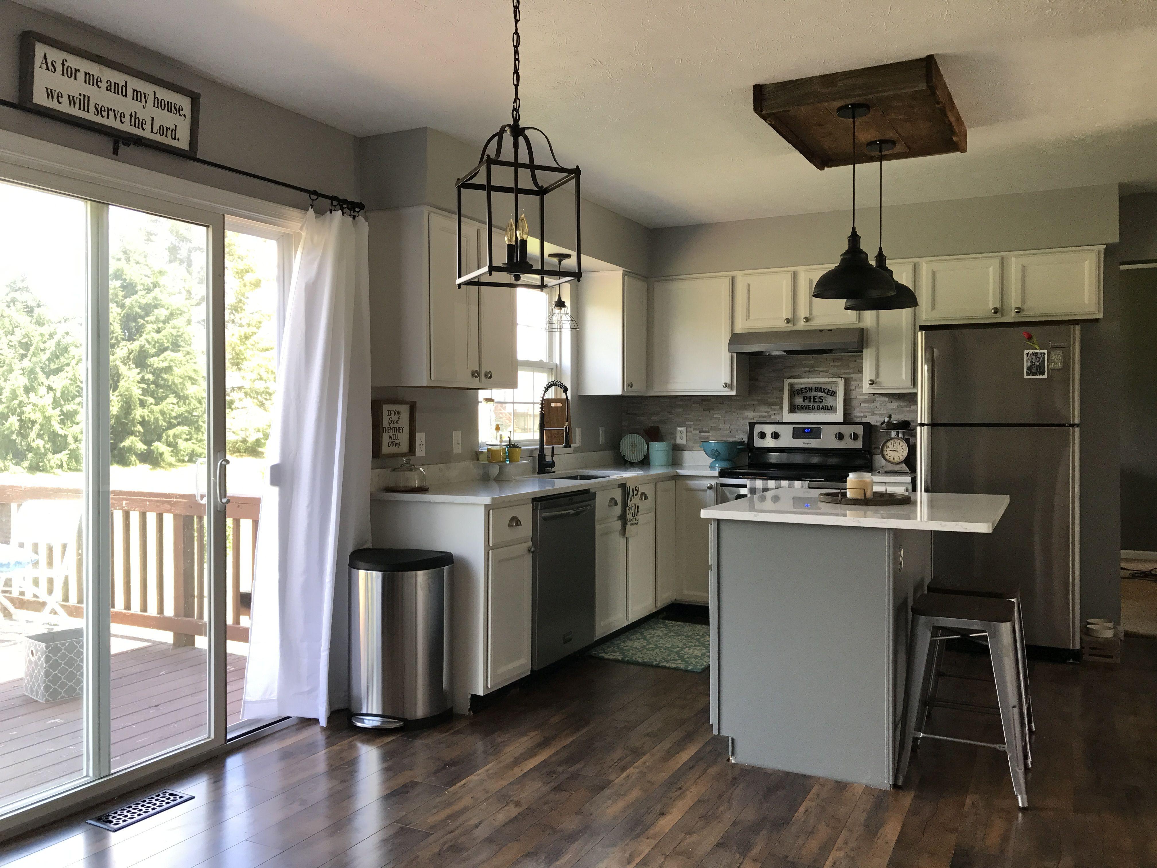 White and grey kitchen, farmhouse style Snowbound by