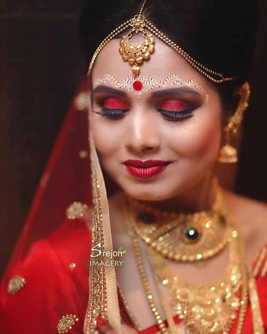 10 Bengali Bridal Kumkum Chandan Designs That Are Khuba Sundara Bridal Bride Look Bridal Looks