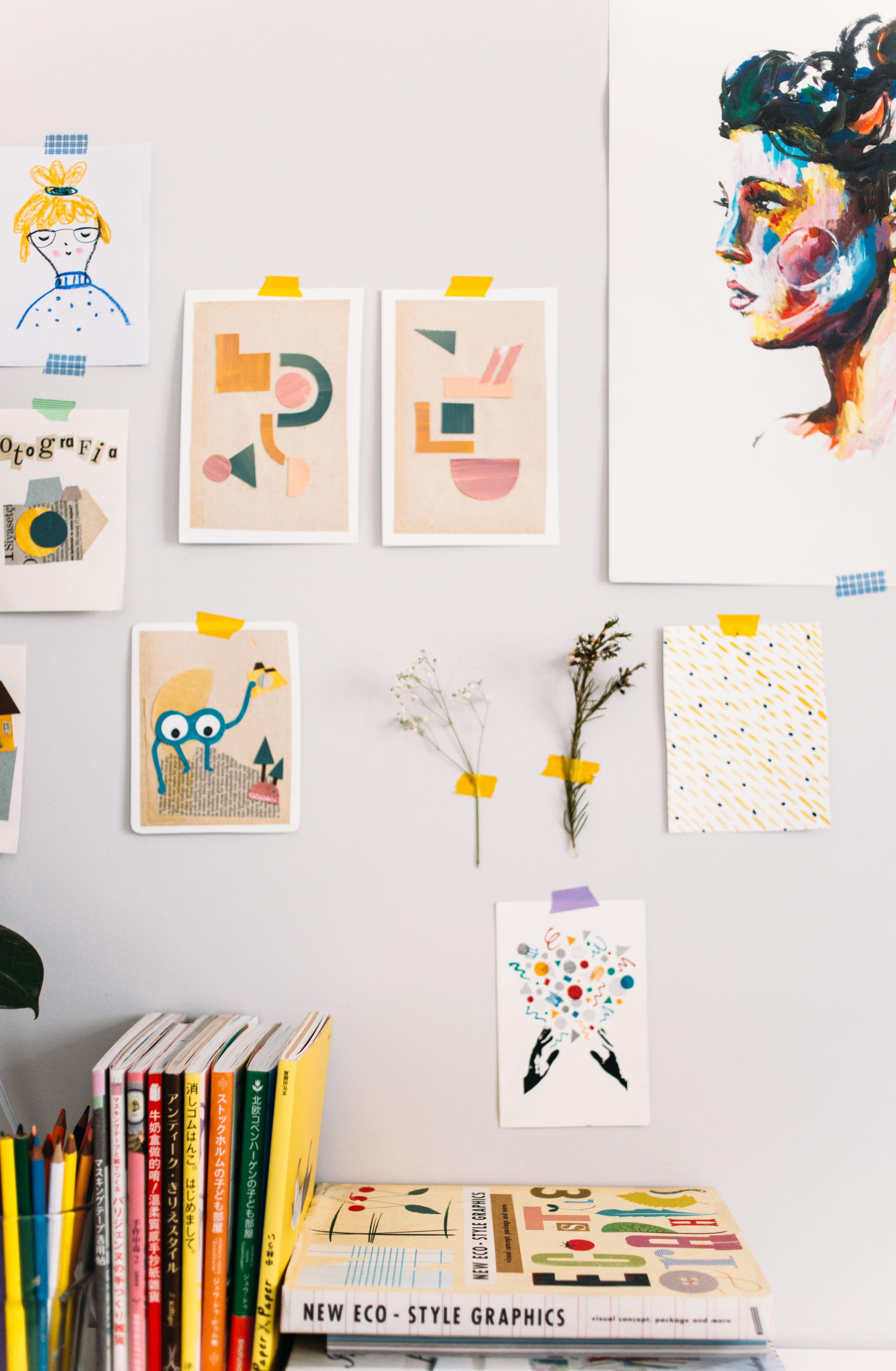 En esta oficina nacen los cursos online de fotografía, ilustración, caligrafía, coaching... para impulsar la creatividad de Hello! Creatividad