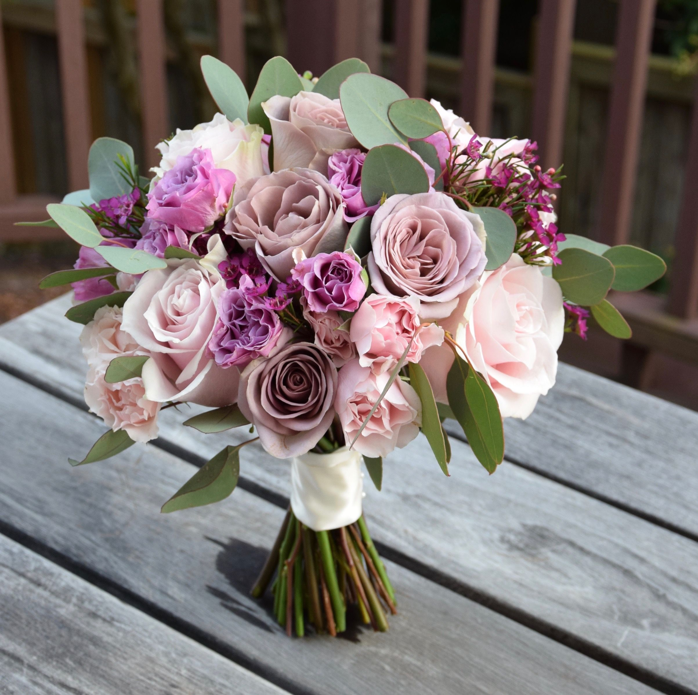 Bridesmaid S Flower Bouquet With Blush Pink And Lavender Color Tones Bridesmaid Flower Bouquet Flowers Bridesmaid Flowers