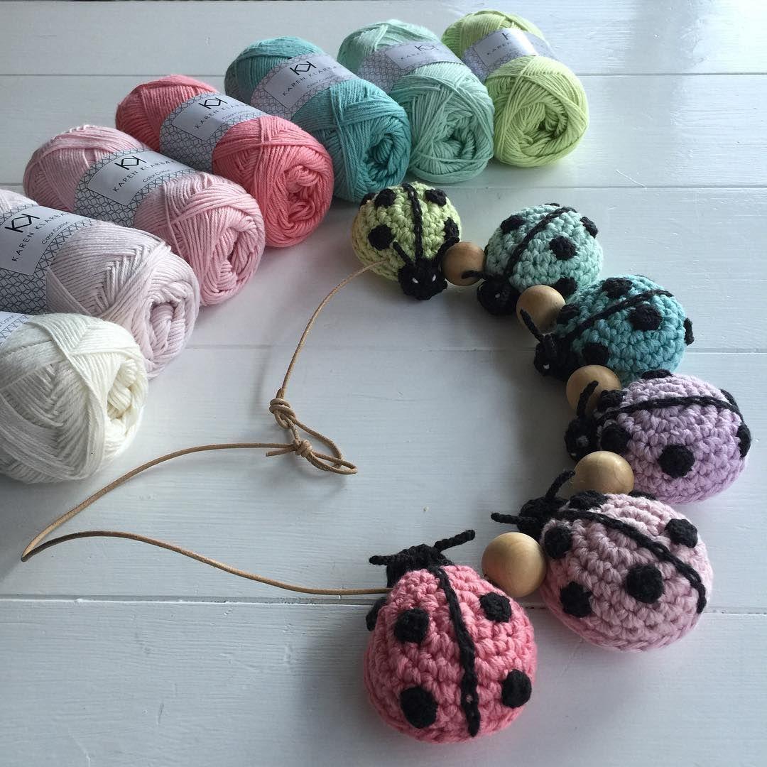 Så er mariehøne barnevognsrankeopskriften på webshoppen (20kr) du kan købe den og mine farver til den. #lightgreen, #mint #turkis #lightlilac #lightrose  #peach Lædersnøre 2mm X 1m #crochet #crochetaddict #crochetdesigner #hækle #virka #häkeln