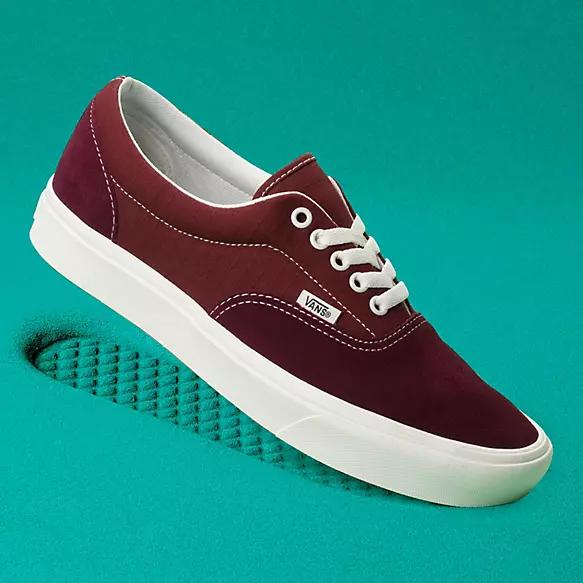 Comfycush Era Shop Classic Shoes At Vans In 2020 Vans Classic Shoes Vans Store
