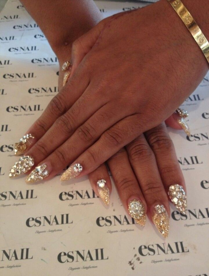 Es Nail | Golden Glitter Almond Shape Acrylic Nails | Claws ...