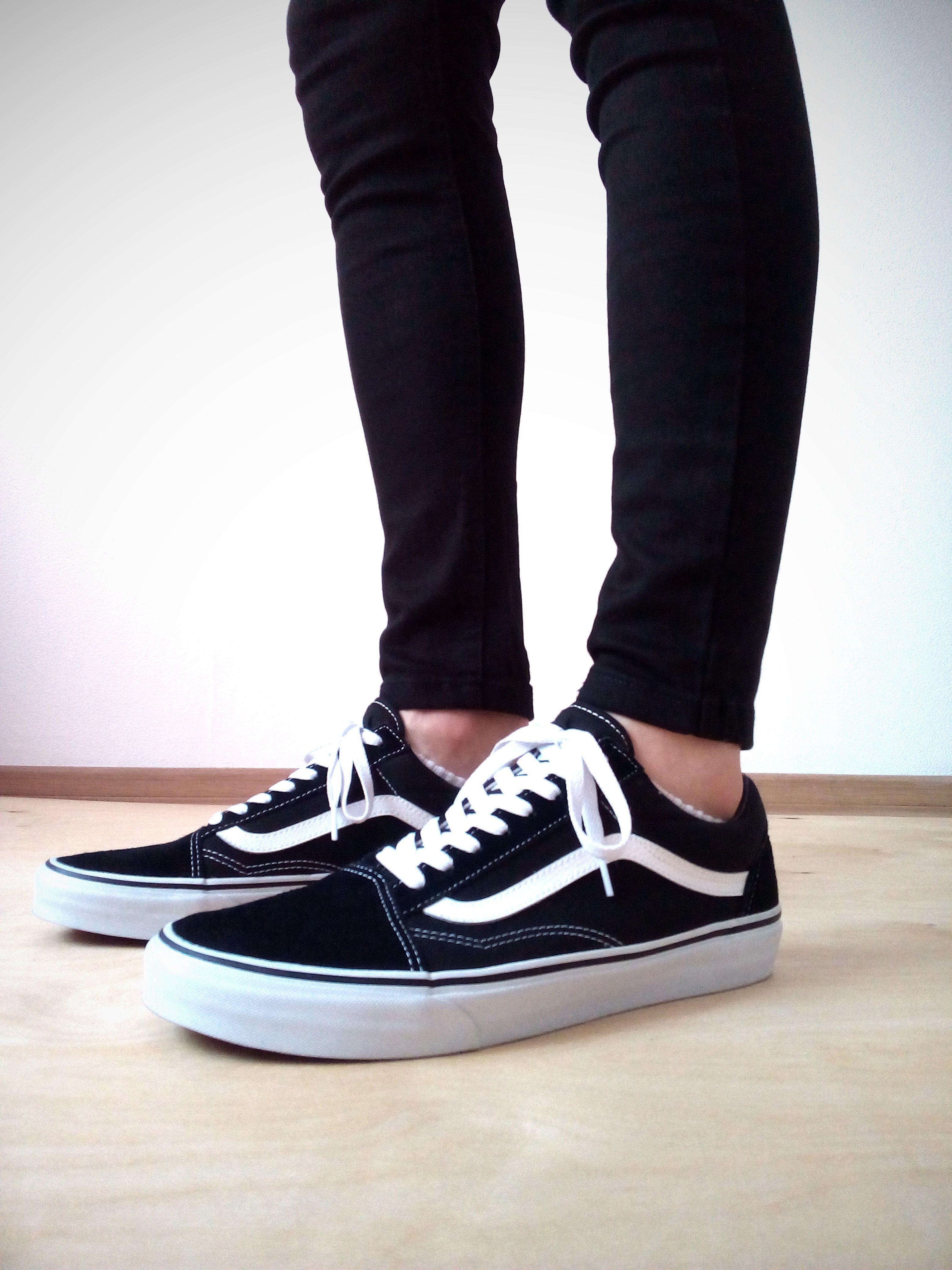 vans old skool on feet black skinny jeans boys guys | vans