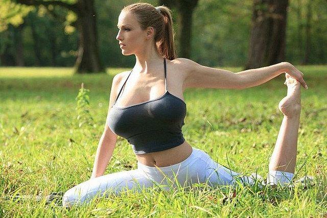 Morning yoga hot girls Pin On Sport