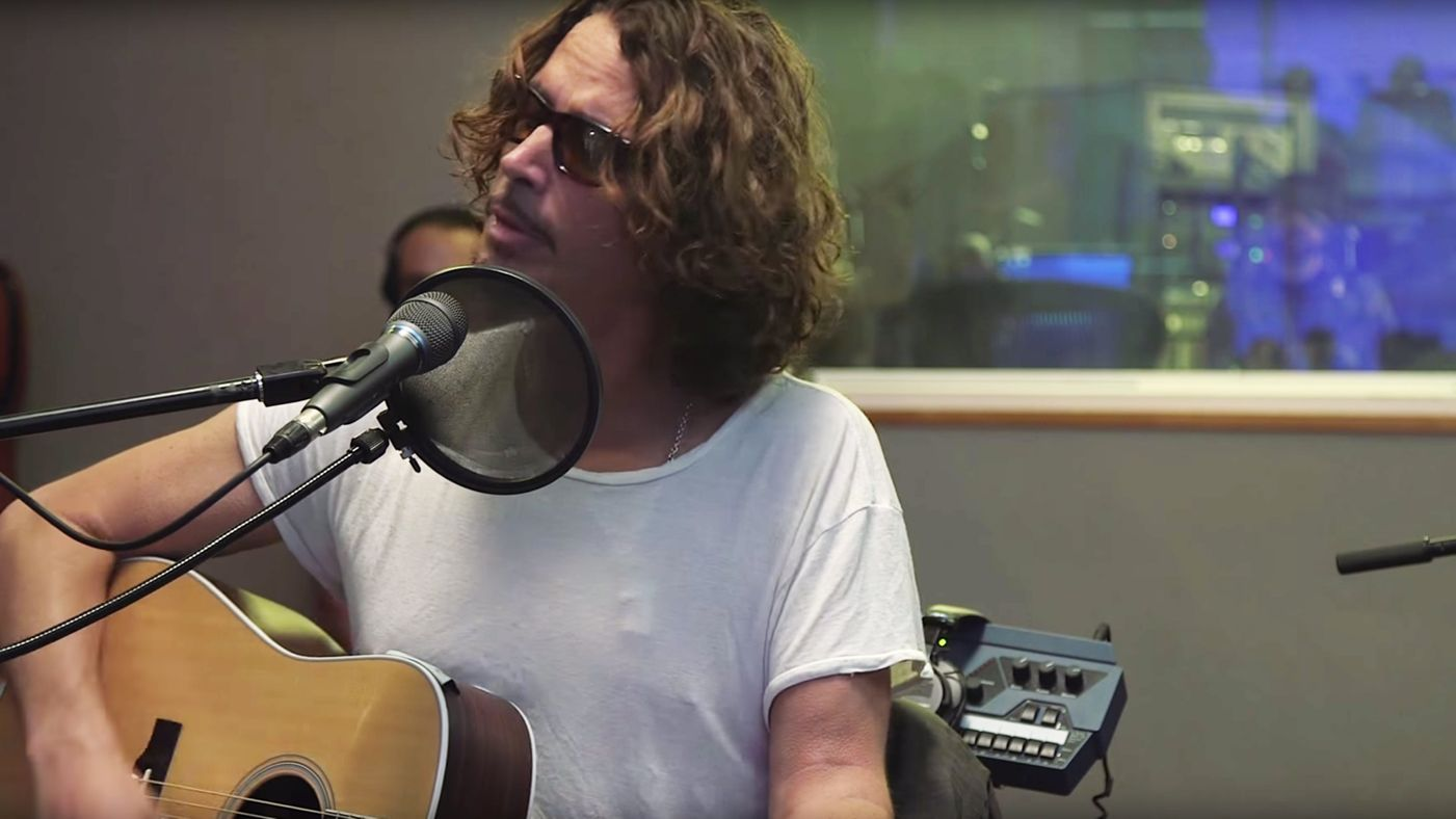 Watch Chris Cornell Pine On Nothing Compares 2 U Cover Chris Cornell Chris Cornell Music Chris